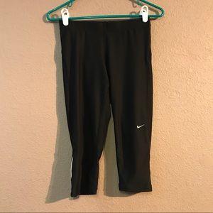 Size S Black Nike Cropped Leggings Capris